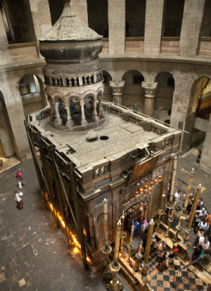 Collapse of Jesus' tomb unites rival religious groups