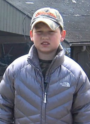 10-year-old hero valiantly rescues 40 people from deadly fire