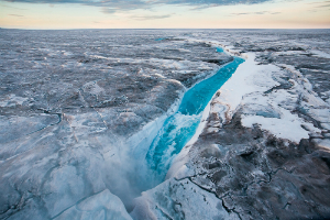 Scientists alarmed as massive ice sheet begins rapid melting