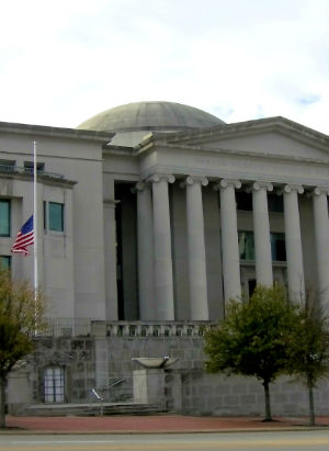 Alabama Supreme court recognizes same-sex adoption