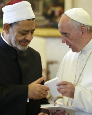 'Our meeting is the message': Pope Francis' historical meeting with top Sunni imam