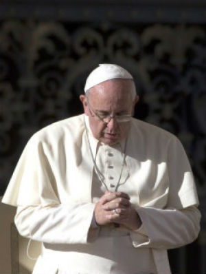 Pope request prayers for all en route to 31st World Youth Day