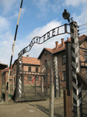 Pope Francis to visit Auschwitz but will not speak