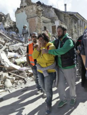 Pope Francis ditches Wednesday's General Audience - instead offers prayers for the victims of Italy's earthquake
