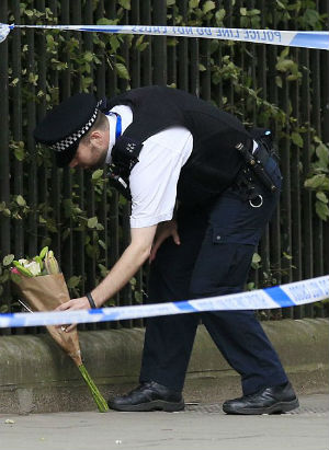 Another act of terrorism? American killed and five wounded in London knife attack