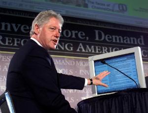 Bill Clinton criticizes FBI director, defends Hillary, fools nobody