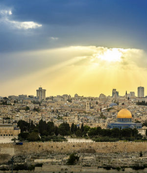 Jerusalem bishop's insights on peacemaking in the Holy Land