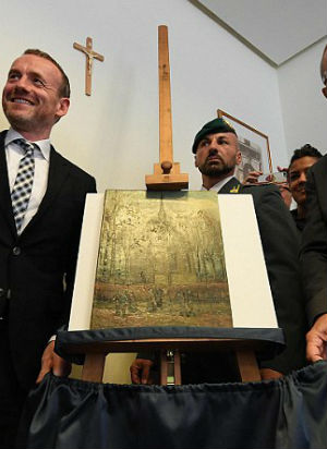 Stolen Van Gogh paintings found 14 years later after major mafia bust