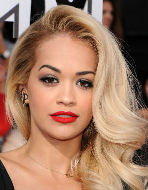 Rita Ora to sing for Pope Francis.