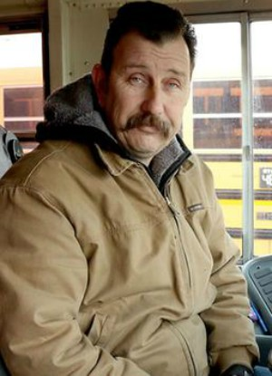 Concerned bus driver's heart is broken when he sees why a student is in tears - 'No one wants a kid to suffer like that'