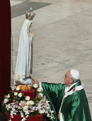 Pope on Centenary of Fatima Apparitions: 'Let Us Entrust Ourselves to Mary'