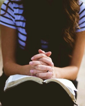 Pray these simple Bible-based prayers every day this week.