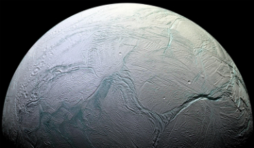 Could Enceladus host life? The discovery of complex organic molecules hints at the possibility.