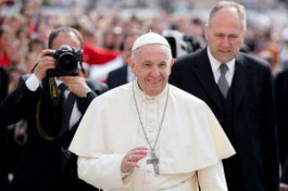 Pope Francis appoints youth synod delegates