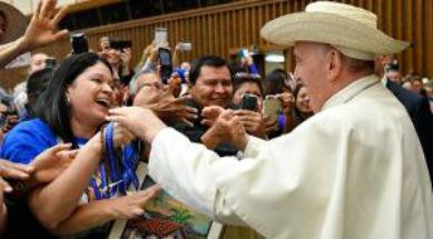El Papa a los sacerdotes: Cuiden del Pueblo de Dios, no lo escandalicen
