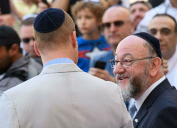 UK rabbi: secular humanists are 'ever-more combative' against religious groups