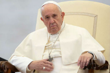 Pope Francis denounces rise in anti-Semitism