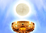 Image of Jesus gives himself to us in the Eucharist as spiritual nourishment because he loves us.