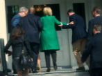 Image of Hillary Clinton routinely requires help to go up steps. Is this a sign she has MS?