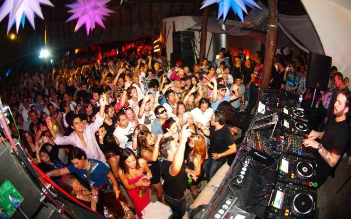 12 dead in Mexico City nightclub stampede - WorldNews