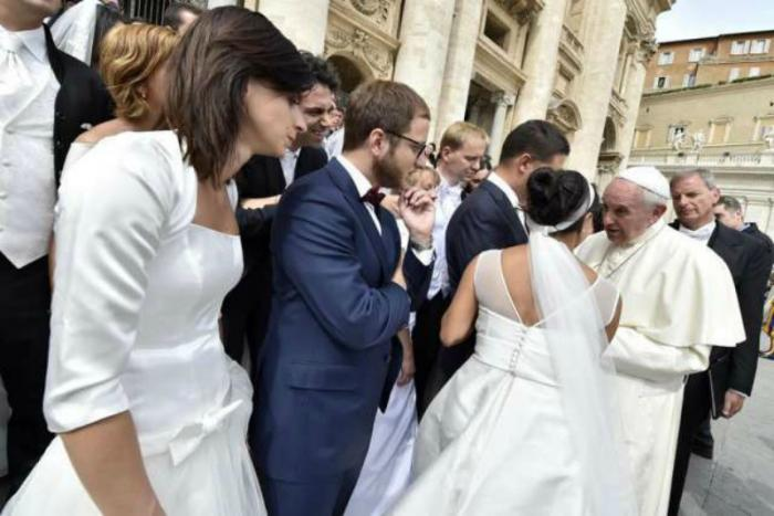 Newly married couples meet Pope Francis in St. Peter