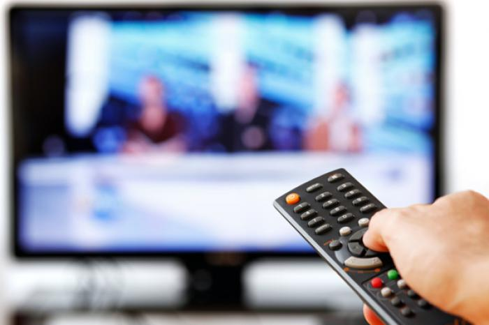 There is no denying that TV advertising is losing steam. Global television advertising revenue fell year-over-year as digital advertising surged once again.