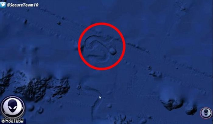 Could it be aliens? You can check out the object for yourself by going to the coordinates 49°59'06.2'N 140°03'16.6'W on Google Earth.