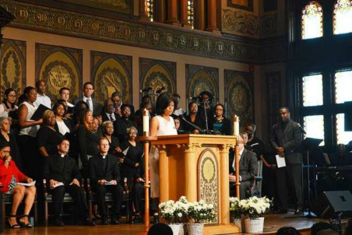 Sanda Green Thomas, president of GU272 Descendants Association, speaks at the Liturgy of Remembrance, Contrition and Hope at Georgetown University, April 18, 2017.