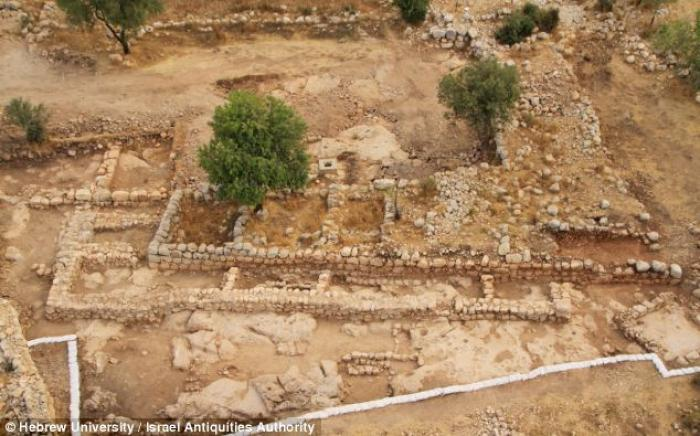 Archaeologists have unearthed a palace in what they believe is the fortified Judean city of Shaarayi