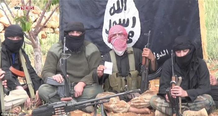 Members of the Islamic State in Iraq and the Levant, a Sunni group aiming to overthrow the Iraqi gov