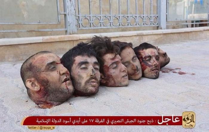 Syrian soldiers beheaded after surrendering to Islamic State terrorists.