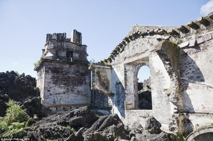 A church is all that remains in the small village of San Juan Parangaricutiro in the state of Michoa